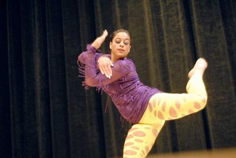 Borinquen Dance Theatre's Ingrid Colón-Gonzalez performs.